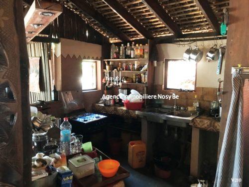 vente-villa-avec-chambres-d-hotes-plage-ambondronanosybe-7.jpg