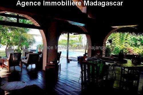 Location-annuelle-villa-plage-piscine-mahajanga3.jpg