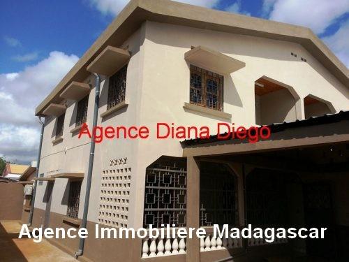 Location grande maison neuve quartier SCAMA Diego-Suarez.jpg