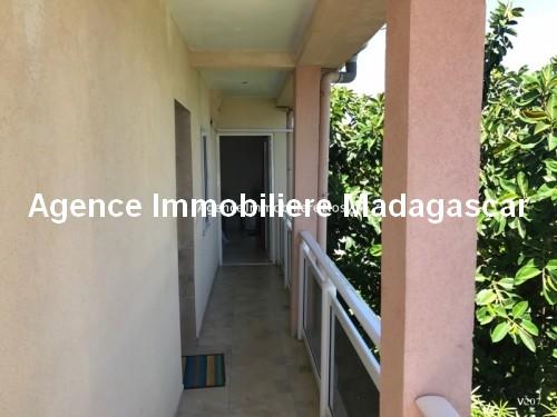 Vente-hotel-appartement-boutique-cœur-village-ambatoloka-nosybe-madagascar4.jpg