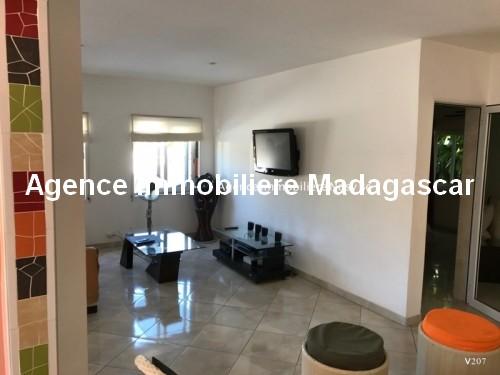 Vente-hotel-appartement-boutique-cœur-village-ambatoloka-nosybe-madagascar5.jpg
