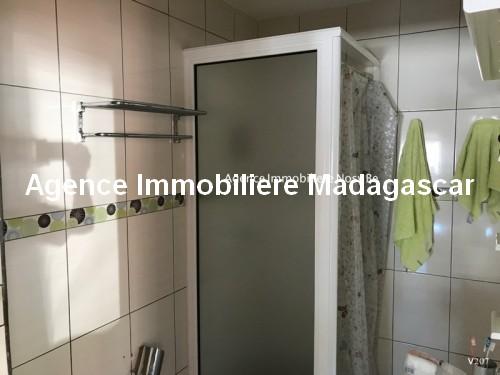 Vente-hotel-appartement-boutique-cœur-village-ambatoloka-nosybe-madagascar8.jpg