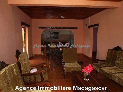 location-annuelle-villa-quartier-lycée-français-mahajanga2.jpg