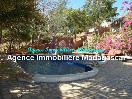 location-belle-villa-meublee-piscine-face-mer-mahajanga.jpg