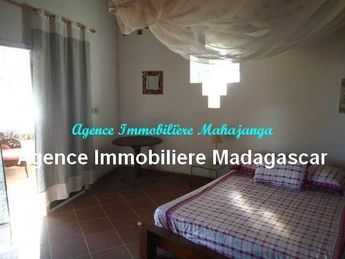 location-belle-villa-meublee-piscine-face-mer-mahajanga3.jpg