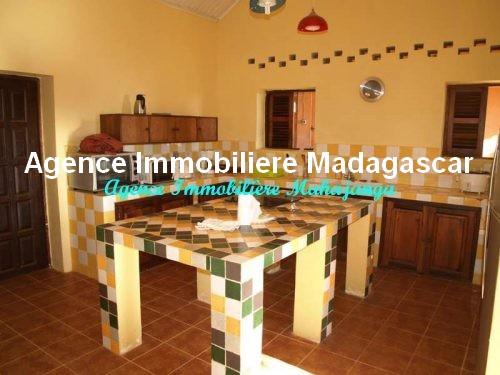 location-belle-villa-meublee-piscine-face-mer-mahajanga5.jpg