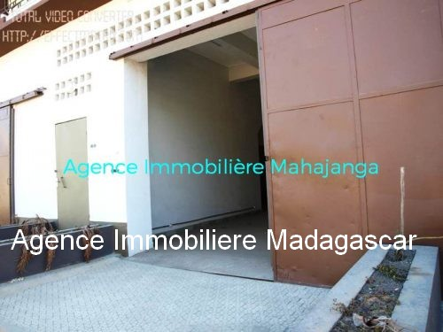 location-deux-locaux-commerciaux-mahajanga.jpg
