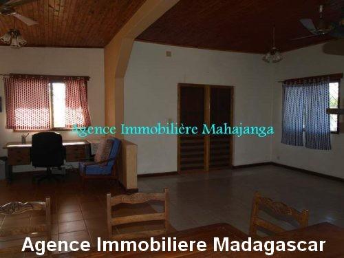 location-maison-vue-mer-100-m-plage-ville-mahajanga-madagascar.jpg