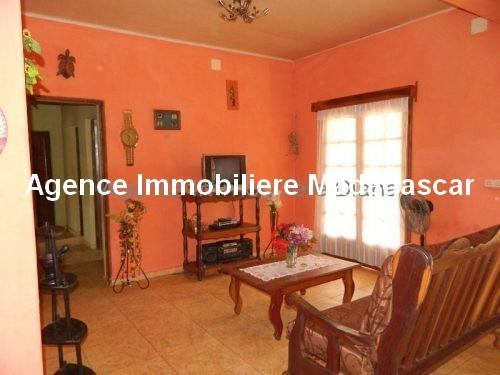 location-petite-maison-meublee-premier-prix-route-universite-diego4.jpg