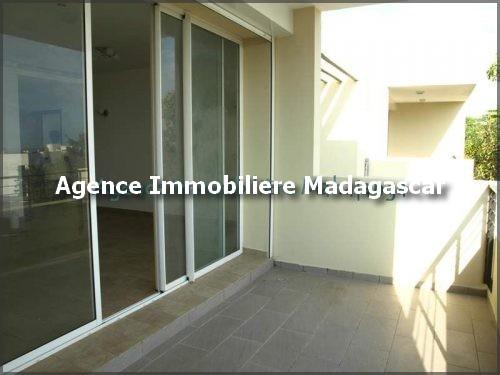 location-plusieurs-appartements-piscine-mahajanga-madagascar-3.jpg