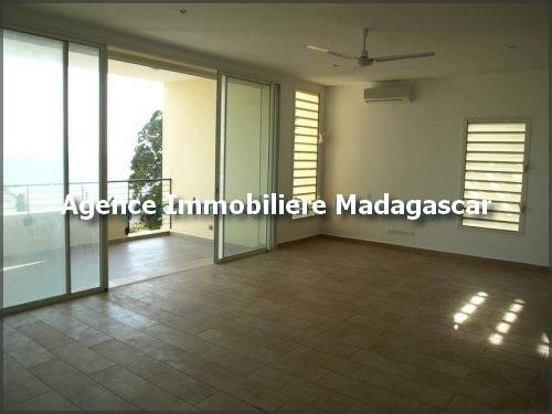 location-plusieurs-appartements-piscine-mahajanga-madagascar-4.jpg