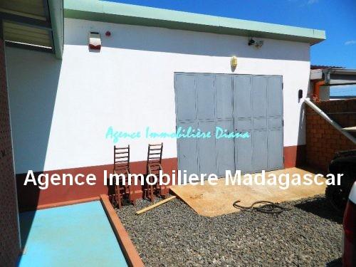 vente-belle-villa-neuve-piscine-quartier-scama-diego-suarez17.jpg