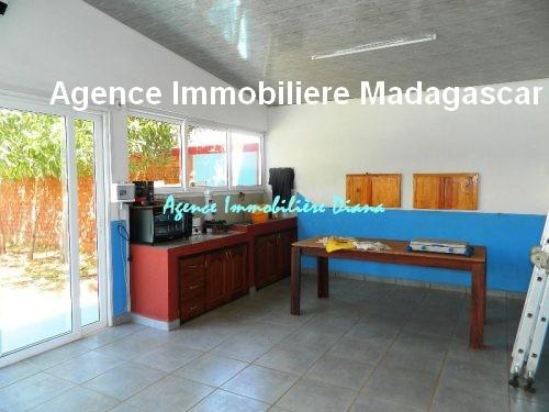 vente-belle-villa-neuve-piscine-quartier-scama-diego-suarez8.jpg