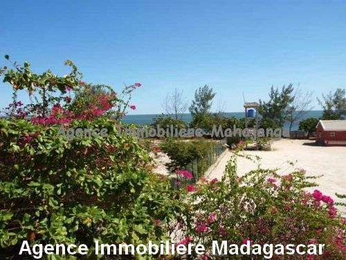 vente-deux-bungalows-piscine-vue-mer-mahajanga-madagascar.jpg