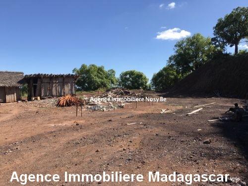vente-terrain-vue-mer-imprenable-darsalam-ambatoloaka-nosybe-madagascar1.jpg