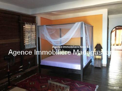 vente-villa-avec-chambres-d-hotes-plage-ambondrona-nosybe2.jpg