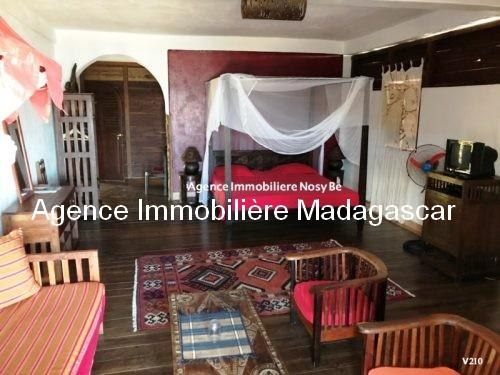 vente-villa-avec-chambres-d-hotes-plage-ambondrona-nosybe5.jpg