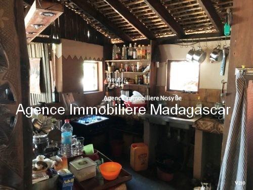 vente-villa-avec-chambres-d-hotes-plage-ambondrona-nosybe6.jpg