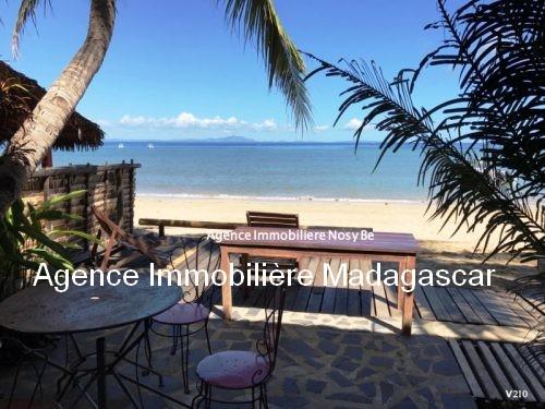 vente-villa-avec-chambres-d-hotes-plage-ambondrona-nosybe9.jpg