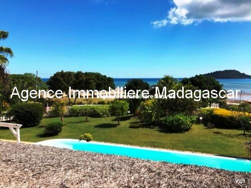 vente-villa-piscine-vue-mer-nosybe-madagadcar