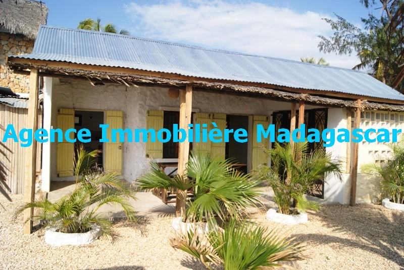 location-bungalow-plage-mahajanga-3.JPG