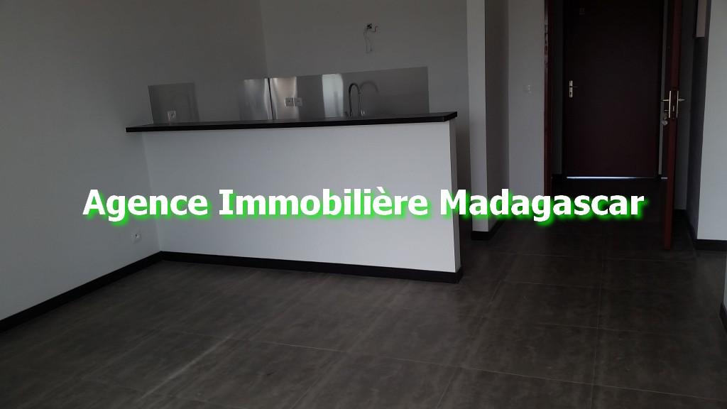 appartement-t1-mahajanga-madagascar-3.jpg