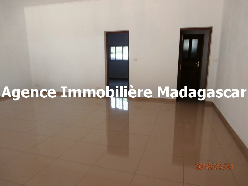 location-appartement-t4-mahajanga-3.jpg