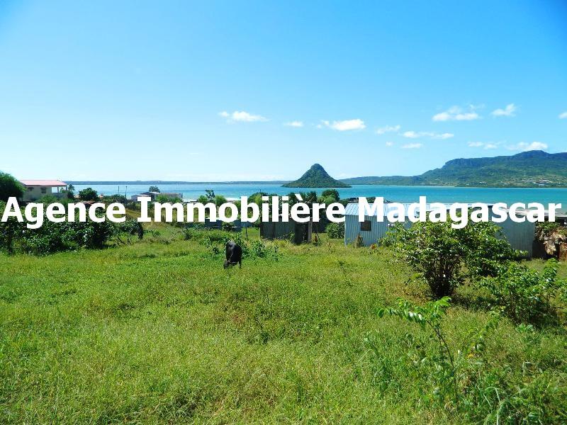 terrain-croisement-y-diego-madagascar.JPG