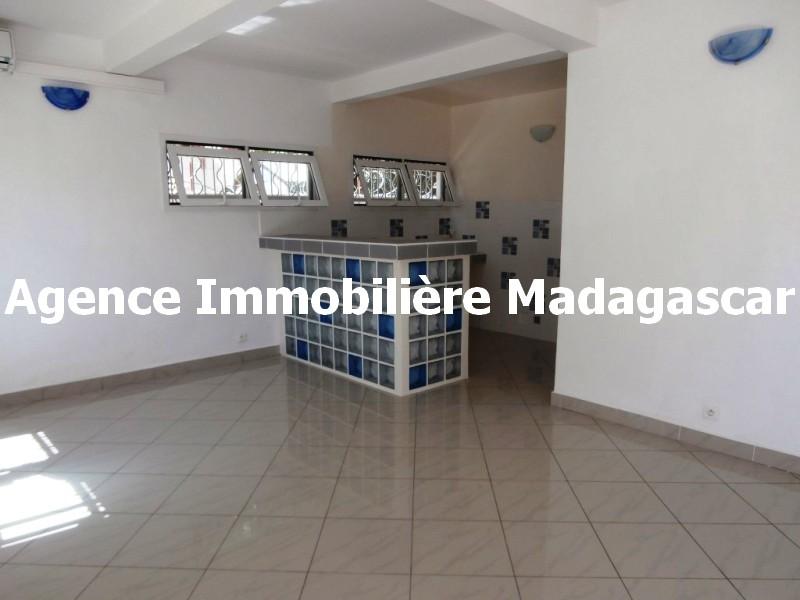mahajanga-location-appartement-type-t4-madagascar-1.jpg