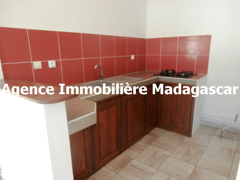 appartement-t2-location-mahajanga-mpadagascar-1.jpg
