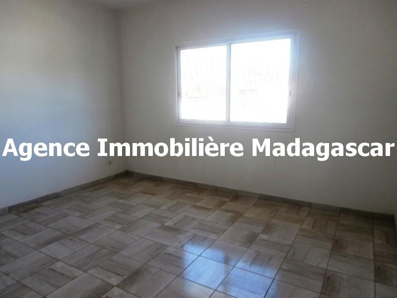 appartement-t2-location-mahajanga-mpadagascar-2.jpg