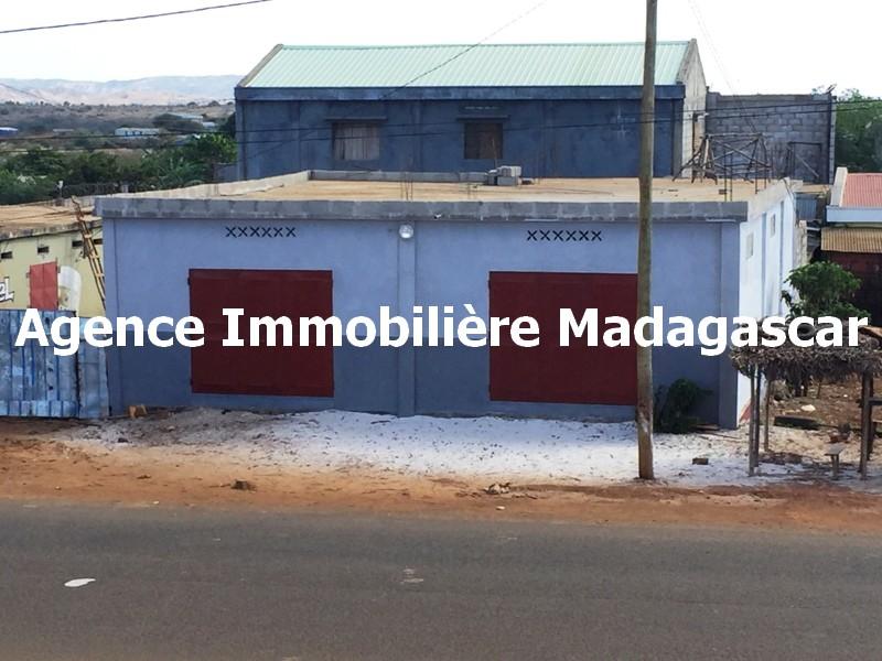 local-commercial-diego-madagascar.JPG