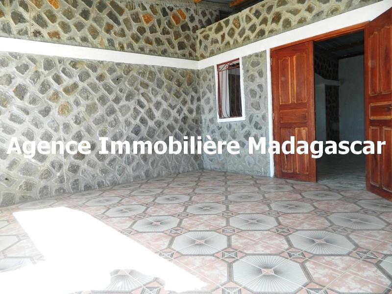 villa-en-vente-antanamitarana-diego-madagascar-2.JPG