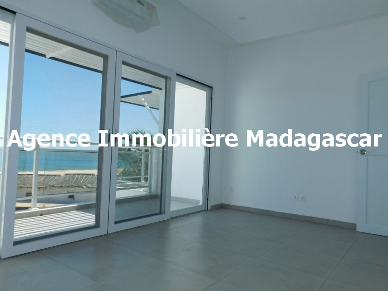 location-villa-contemporaine-mahajanga.jpg