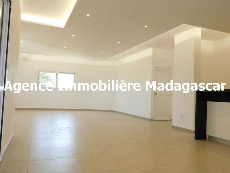 location-villa-contemporaine-mahajanga-2.jpg