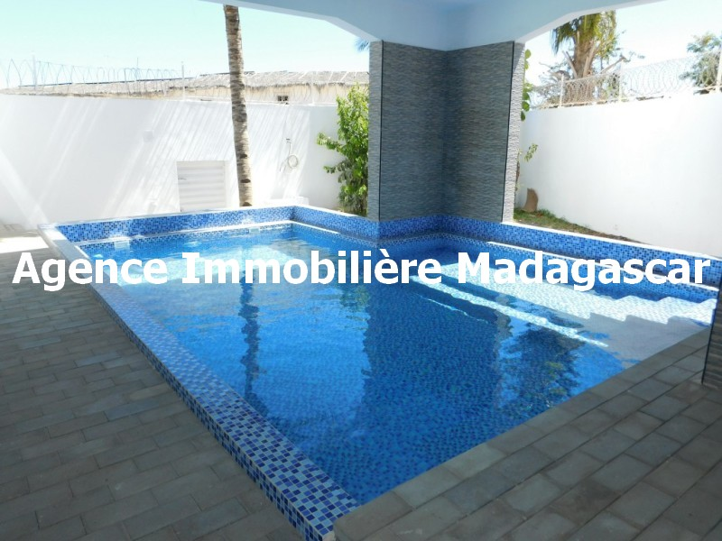 location-villa-contemporaine-mahajanga-3.jpg