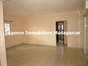 mahajanga-location-maison-madagascar-3.jpg