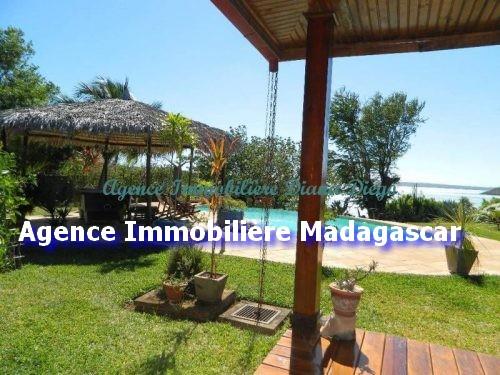 villa-meublee-piscine-diego-madagascar.jpg