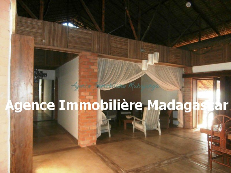 amborovy-mahajanga-location-villa-3.jpg