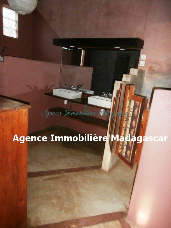 amborovy-mahajanga-location-villa-6.jpg