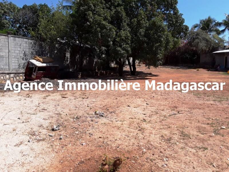 mahajanga-centre-vente-terrain-3.jpg