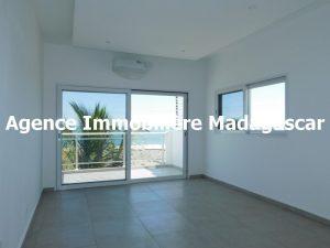 mahajanga-villa-contemporaine-madagascar-3.jpg
