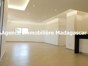 mahajanga-villa-contemporaine-madagascar-5.jpg
