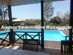 location-mahajanga-villa-piscine-madagascar.jpg