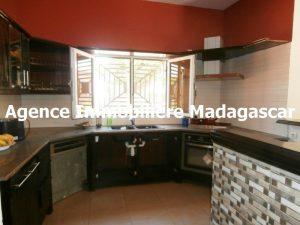 location-mahajanga-villa-piscine-madagascar-2.jpg