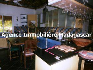 mahajanga-location-villa-meublee-3.jpg