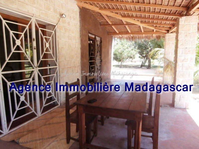 location-maison-mahajanga-grand-terrain-3.jpg