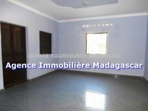 mahajanga-location-villa-neuve-2.jpg