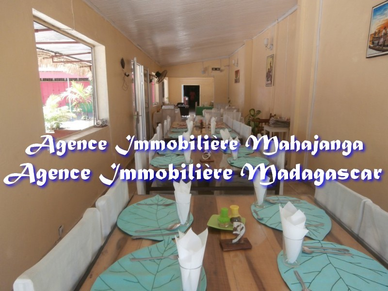 vente-mahajanga-commerce-restauration.jpg