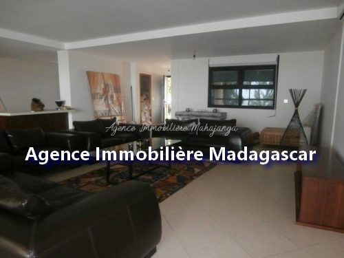 mahajanga-location-appartement-standing-1.jpg